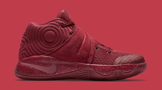 team-red-kyrie-2-suede-05_sahqnc